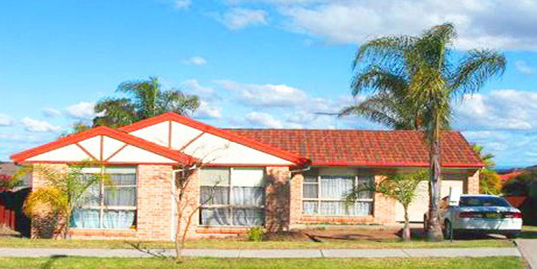 22 Kashmir Ave, Quakers Hill NSW 2763