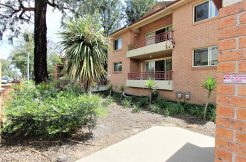 Rent 2 bedroom apartment at 1/219 Dunmore St Pendle Hill NSW 2145