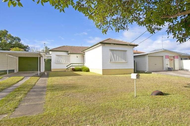 Renting 97 Penrose Crescent, South Penrith
