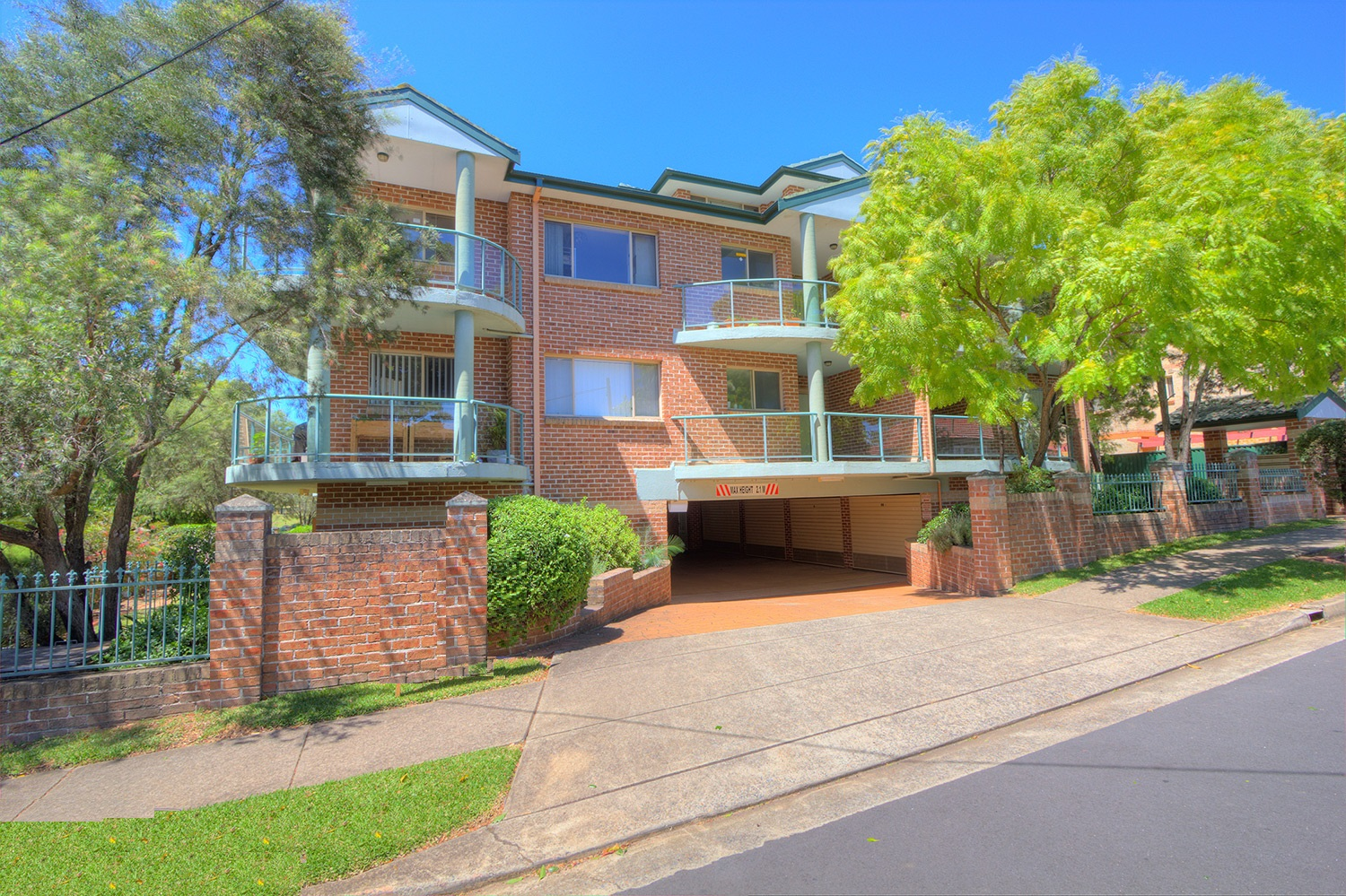 Rent 5/27 Parkside Lane Westmead NSW 2145