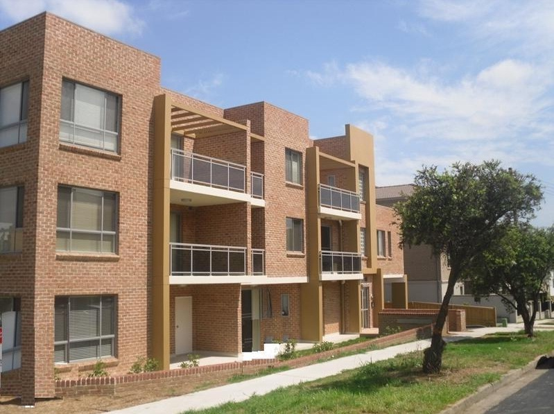 Rent 12/19-21 Lydbrook St, Westmead 2145- Two Weeks Rent Free