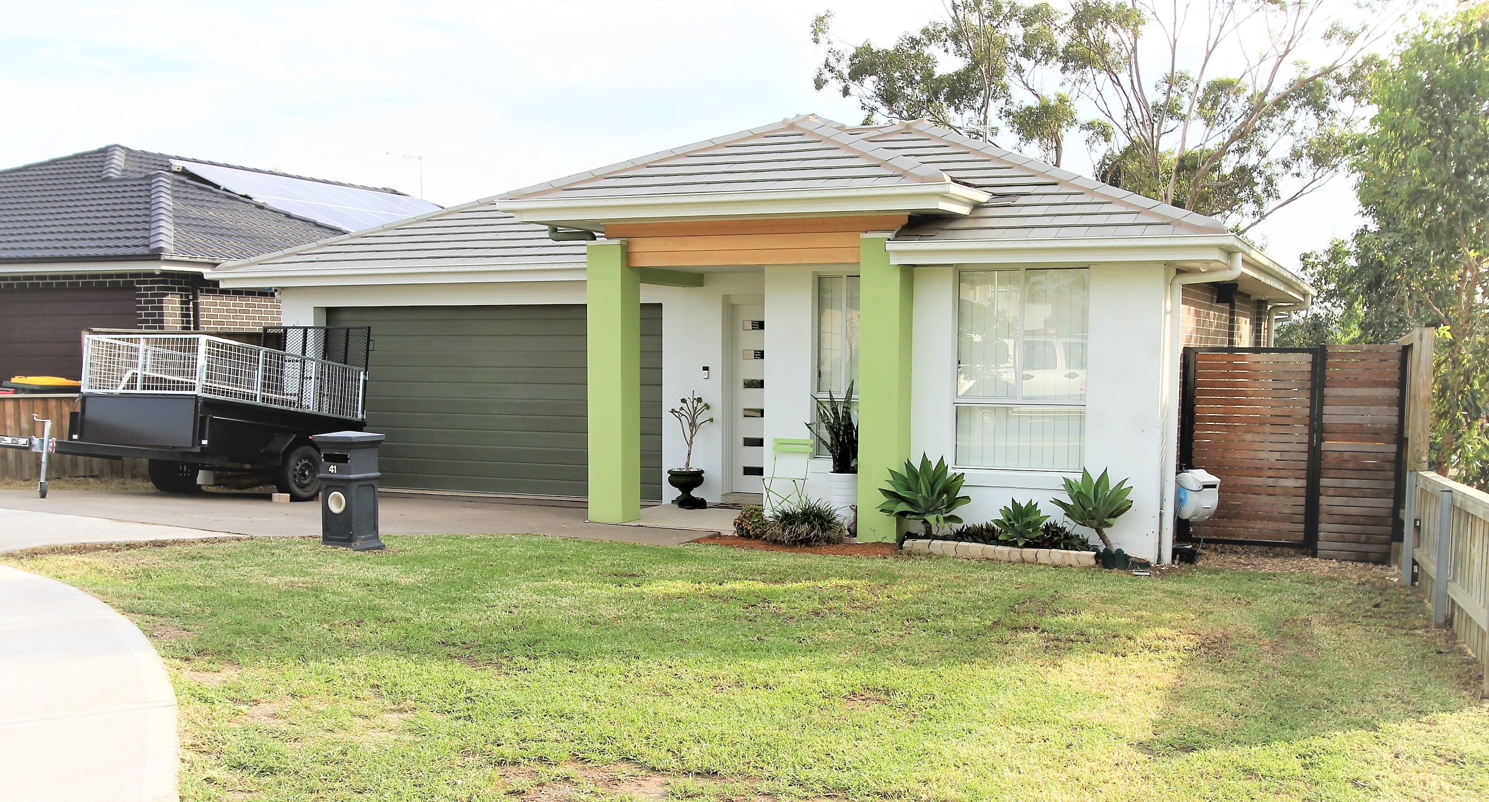 Rent 41 Dowie Drive Claymore NSW 2559