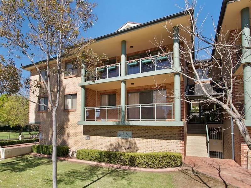 Rent 9/58-60 Fullagar RoadWentworthville NSW 2145