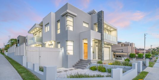 Contemporary House In Sought-After Locale